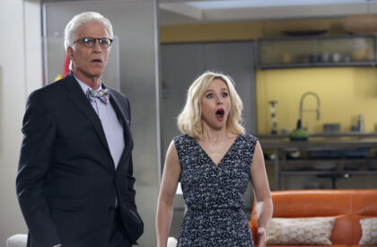 """THE GOOD PLACE -- """"Michael's Gambit"""" Episode 113 -- Pictured: (l-r) Ted Danson as Michael, Kristen Bell as Eleanor Shellstrop -- (Photo by: Vivian Zink/NBC)"""